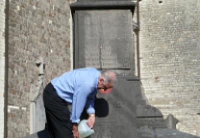 Kon. Landelijke Gilde gaat vanaf heden zorgen voor bloemen op het monument der gesneuvelden