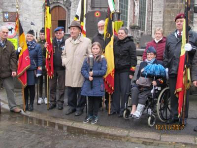 Afgevaardiging van Oustrijders met de laatste oud-strijder Frans Pierlé van Hakendover